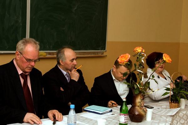 Основні доповідачі круглого столу: Ф. Хміль, В. Марущак, М. Гонський, Л. Валова