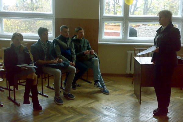 До учасників із вступним словом звертається доцент Колянко О.В.