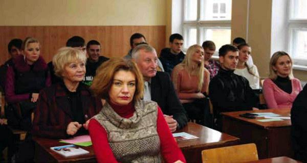 """Круглий стіл """"Сучасні проблеми практики управління українськими організаціями та шляхи їх вирішення"""""""