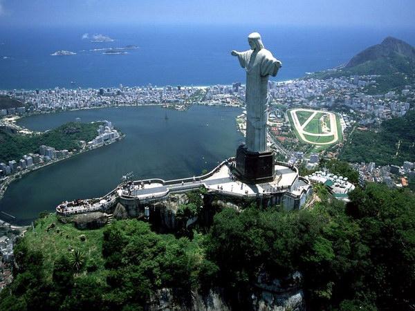 Статуя Спасителя в Ріо-де-Жанейро